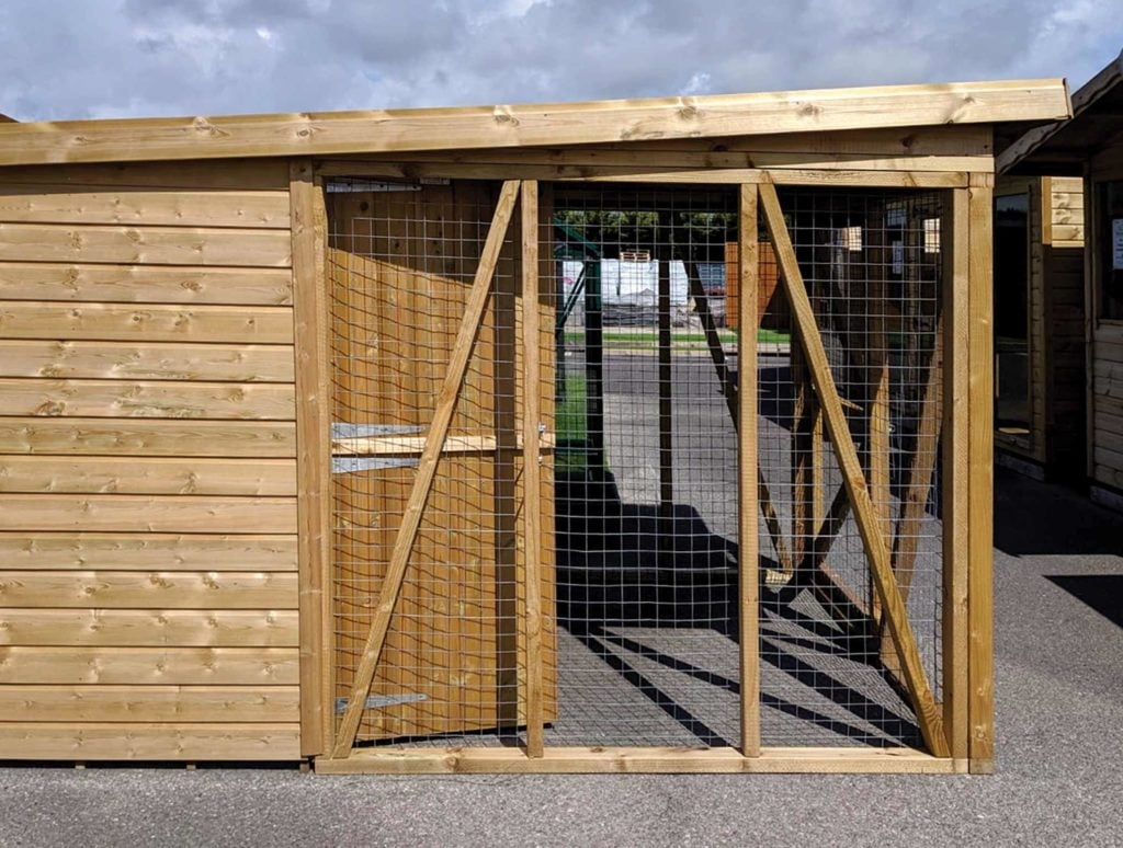 6ft x 4ft (+6ft x 6ft run) with extended roof